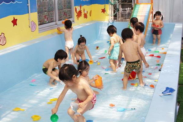 8月の行事 プール遊び